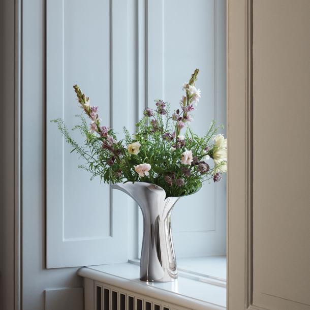 Georg Jensen Bloom Botanica Vase 33 cm. UDSOLGT! – kommer hjem igen 15/6-2020